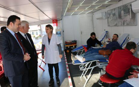 Kızılay'a Of'tan 96 ünite kan desteği
