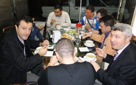 Of Anadolu Lisesi öğretmenleri yemekte buluştu