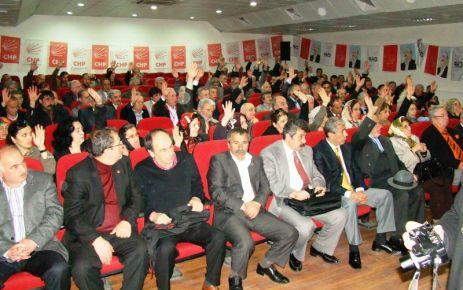 Of CHP'de Emel Saral yeniden başkan