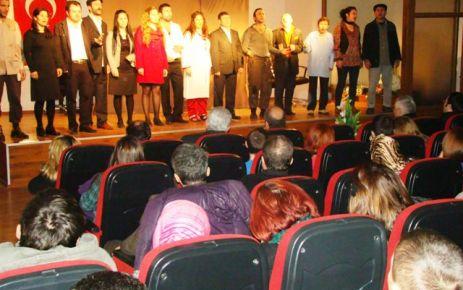 Of Folklor Derneği'nden tiyatro gösterisi