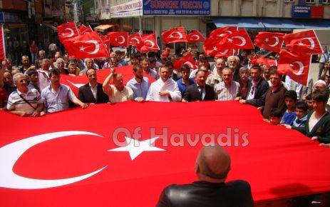 Of MHP'den Bayrak ve Siyah Çelenk