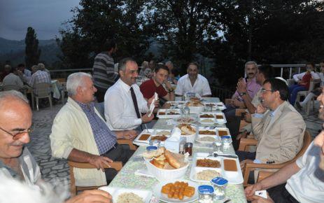 Of Yönetimi Birlik Köyü'nde halkla iftarda buluştu