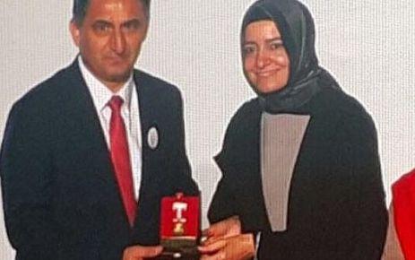 Oflu Kaymakam Dervişoğlu'na altın madalya