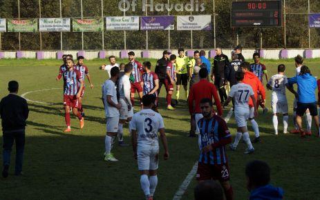 Ofspor gergin derbide Yomraspor'a mağlup oldu