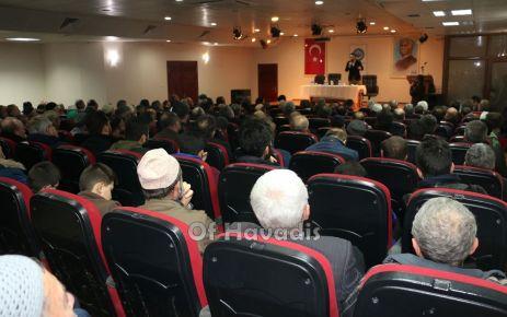 Of'ta Ortadoğu'da Mezhepler Çatışması konulu Konferansı