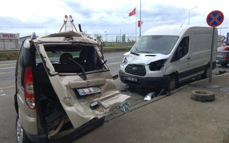 Of'ta TIR 2 aracı hurdaya çevirdi 1 yaralı