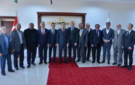 Of'un başkan adayları buluştu