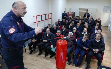 Otobüs şoförlerine yangın eğitimi veriliyor