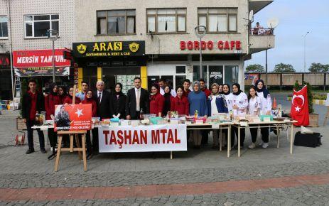Sağlık Meslek Lisesi öğrencilerinden Mehmetçik için Kermes