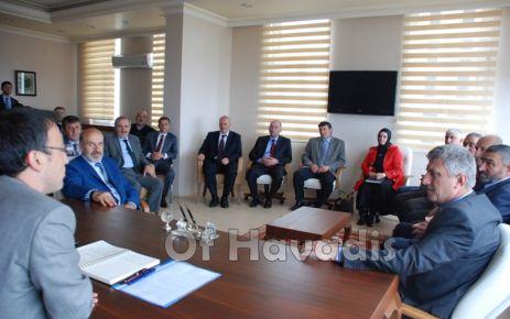 Sarıalioğlu ve Meclis Üyeleri Kaymakam Arslan'ı ziyaret etti