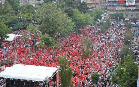 Trabzon, Demokrasi ve Şehitler Mitingi'nde buluştu