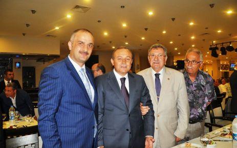 Trabzon Valisi Kızılcık için veda yemeği