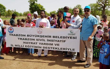 Trabzon'dan Afrika ülkelerine Kur'an-ı Kerim yardımı yapıldı