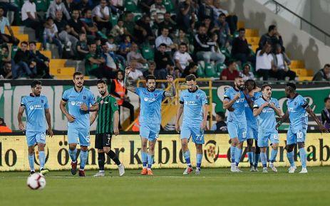 Trabzonspor Akhisar'da 3 puanı 3 golle aldı