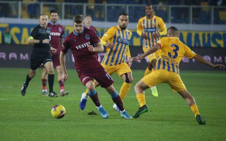 Trabzonspor Ankaragücü'nü 3 golle geçti liderliğe yükseldi