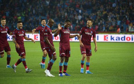 Trabzonspor Gaziantep'i farklı yendi, ikinciliğe yükseldi