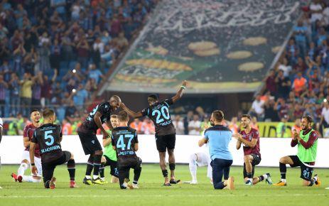 Trabzonspor namağlup lider Galatasaray'ı 4 golle geçti