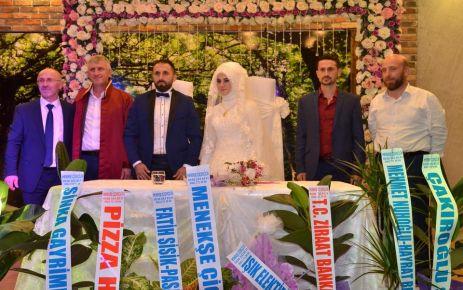 Türk ve Öztürk ailelerinin mutlu günü