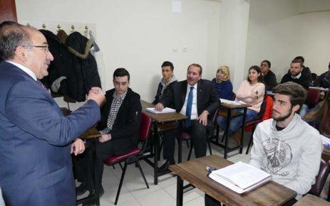 Ücretsiz dersaneden 416 öğrenci üniversiteye yerleşti