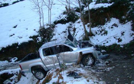 Uluağaç'ta araç uçuruma yuvarlandı; 1 ölü, 2 yaralı