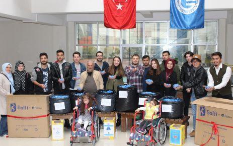 Üniversiteli öğrencilerden Yaren ve Ravza'ya engelli aracı