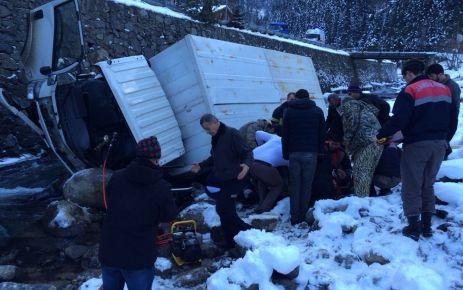 Uzungöl'de kaza; 2 yaralı