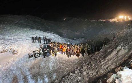 Van Bahçesaray'da çığ faciası; 33 kişi öldü