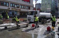 Of Belediyesi cadde ve sokakları yıkadı