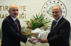 Ulaştırma ve Altyapı Bakanı Karaismaloğlu görevi devraldı