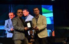 Dervişoğlu'na bir ödül de Küçükçekmece Trabzonlular Derneği'nden
