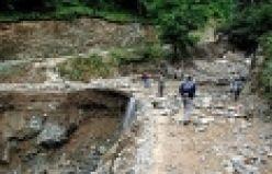 Çaykara Uzuntarla'da HES tüneli patladı