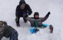 Of'ta çocukların kar bayramı