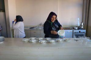 23 Aşçı Yardımcısı eğitim alıyor