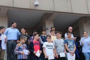 Ali Yeşilyurt İmam Hatip Ortaokulu'nda karne sevin