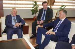 Acara Hükümet başkanından Büyükşehir'e ziyaret