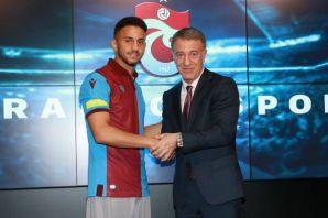 Ahmet Canbaz sözleşme imzaladı