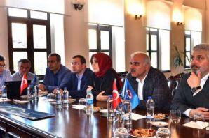 Başkan Zorluoğlu vekillerle projeleri istişare ett