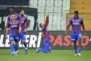 Süper Kupalı Trabzonspor Süper Lig'in lideri Beşiktaş'ı da