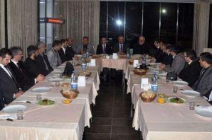 Başkan Saral gazetecileri akşam yemeğinde ağırladı