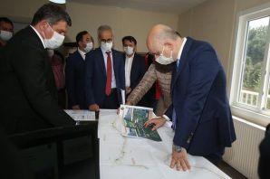 Karaismailoğlu Balaban ve Çaykara yolu projelerini inceledi