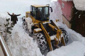 Büyükşehir Belediyesi kar mücadelesini sürdürüyor