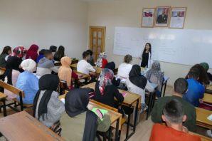 Büyükşehir'den 1385 öğrenciye üniversite kursu