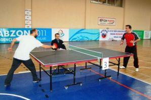 DİN-BİR-SEN Of'ta Masa Tenisi Turnuvası düzenledi