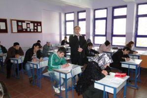 Of'ta Açık Lise Sınavları yapıldı