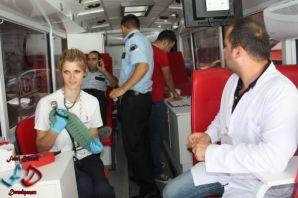 Kızılay Dernekpazarı'nda kan bağışı topladı
