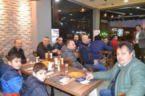 Eczane Teknisyenleri Pizza Hose'de buluştu