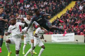 Trabzonspor Hakem Halis Özkahya'ya takıldı