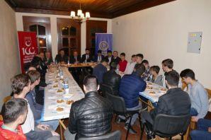 Başkan Gümrükçüoğlu öğrencilerle buluştu
