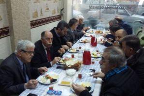 Karaca Ailesi dernek üyelerini kahvaltıda buluştur