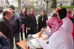 Kursiyerler kermes gelirini Mehmetçik Vakfına bağı